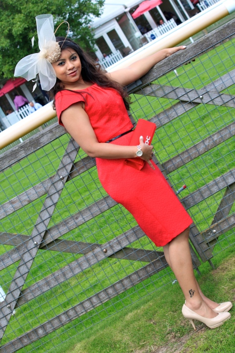 How to Look a Royal Fashionista at Racecourse