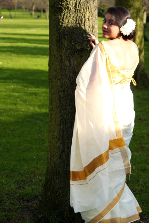 SAREESUTRA: SOUTH-INDIAN OFF-WHITE COTTON SAREE WITH SILK GOLDEN BORDER