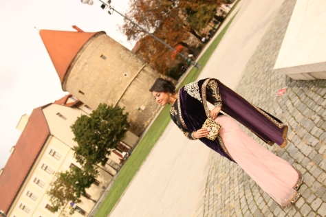 SareeSutra: Designer Affair At Croatian Wedding: Raa Studio+ Lovetobag+Prerto