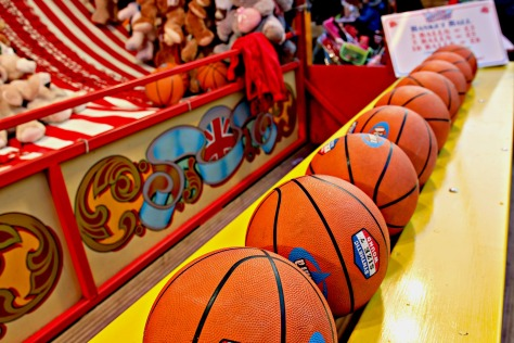 Enjoy a quick 3-throw game of basketball and win a toy for your child or friend's daughter