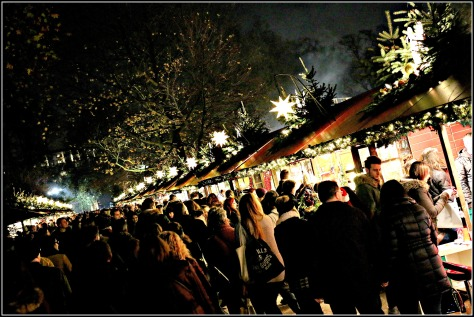 Take some time out from the excitement of the attractions for a leisurely stroll around the Christmas markets
