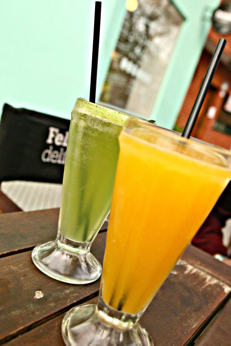 Sit down, relax and sip a glass of real fruit juice from one of the juice bars in Palermo