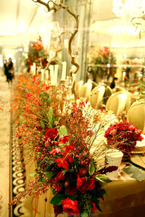 Roses, peonies, tulips...you name it, Zita Elze has it all in their floral theme wedding decoration set
