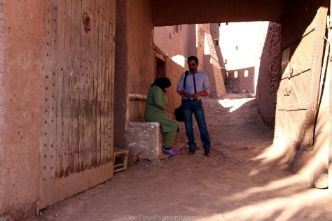 A villager sitting at this false entrance charging 2 dirrhams to enter into the Ksar