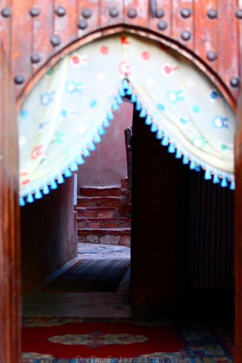 An inviting entrance of one of the few hotels inside the Kasbah
