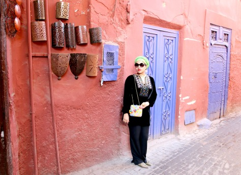 Marrakech is a place where all of your senses reel, where colors, scents and sights interwine to deliver an incredible mood to opt for over-the-top style