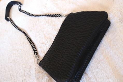 Newbuy: Zara's Chanel-esque Quilted Messenger Bag