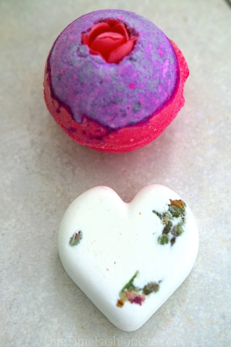Lush Cosmetics Bath Bombs to make my bathing time worth with these Sex Bombs and Tisty Toasty