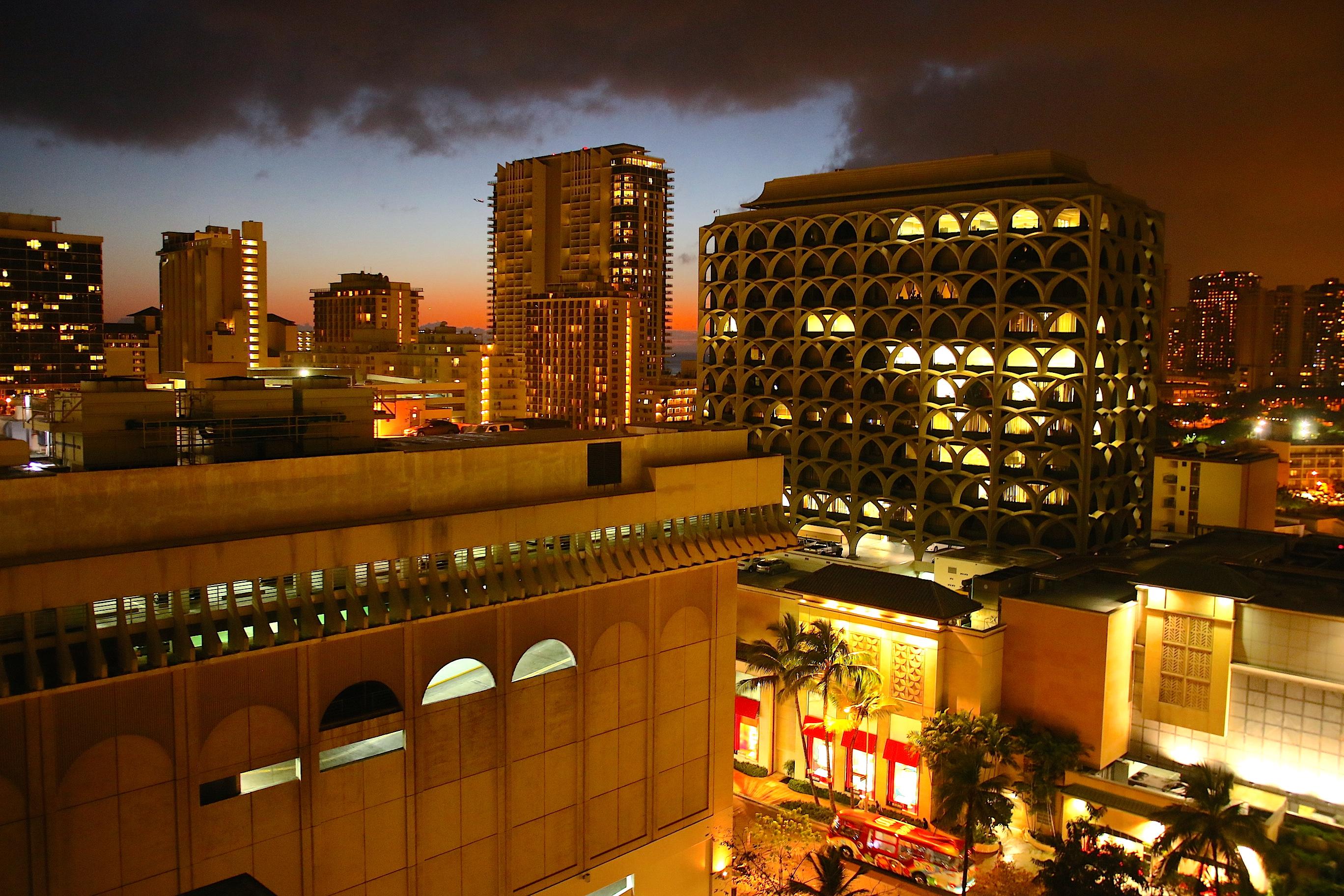 Suite Hotels Waikiki Beach
