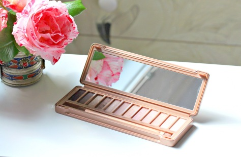 Urban Decay Naked 3 Palette: Get Naked In Natural Eye-shadow
