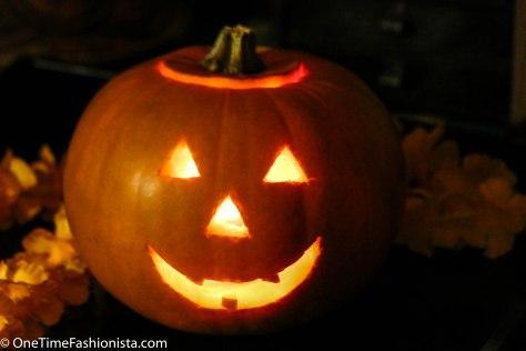 Looks, Treats, Hello Halloween!