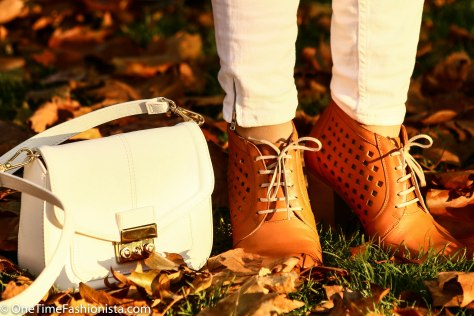 Shoes that match the falling leaves are everything you should embrace, now!