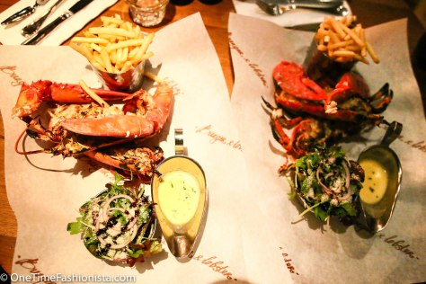 As the Burgers were made of Beef (Tanusree doesn't eat red meat), we opted for their signature dish- the whole lobster – A 1.5lb lobster served steamed or grilled. Served with plain or lemon and garlic butter. The lobster in the above picture was served grilled with lemon and garlic butter- we love it that way!
