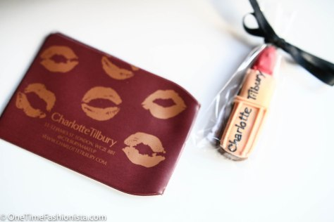 Some freebies from the launch day- Lipstick shaped ginger bread cookie and an Oyster card holder