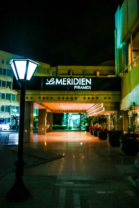 Le Meridien Pyramids Hotel: Wake up with the Pyramids in view!