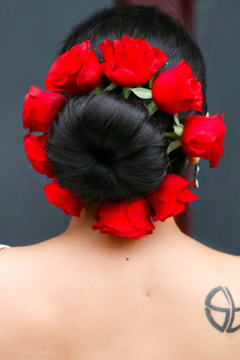 Hair style with red roses