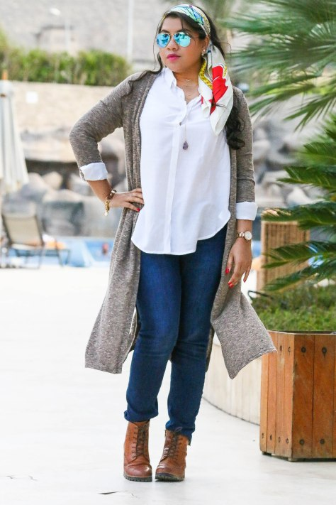Egypt Lookbook: Laid-Back Chic In White Shirt+Denim+Moschino Scarf