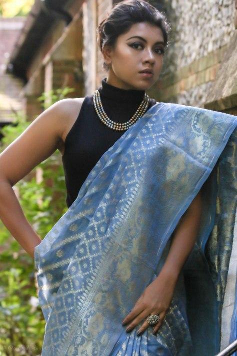 SareeSutra: Durga Puja Look: Half-Silk Jamdani Print Tangail Saree