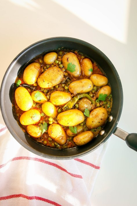 Vegan Curry With New Potato and Pea