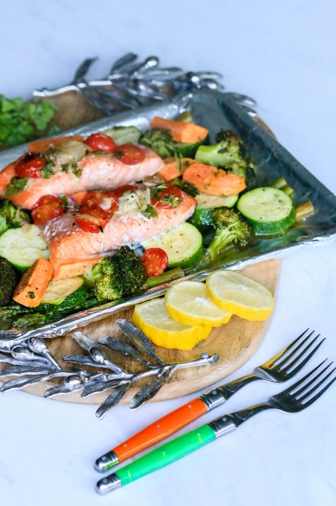 What We eat For Dinner: Foil-Wrapped Baked Salmon & Veggies