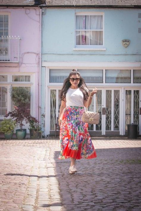 Skirt Swirls in Notting Hill